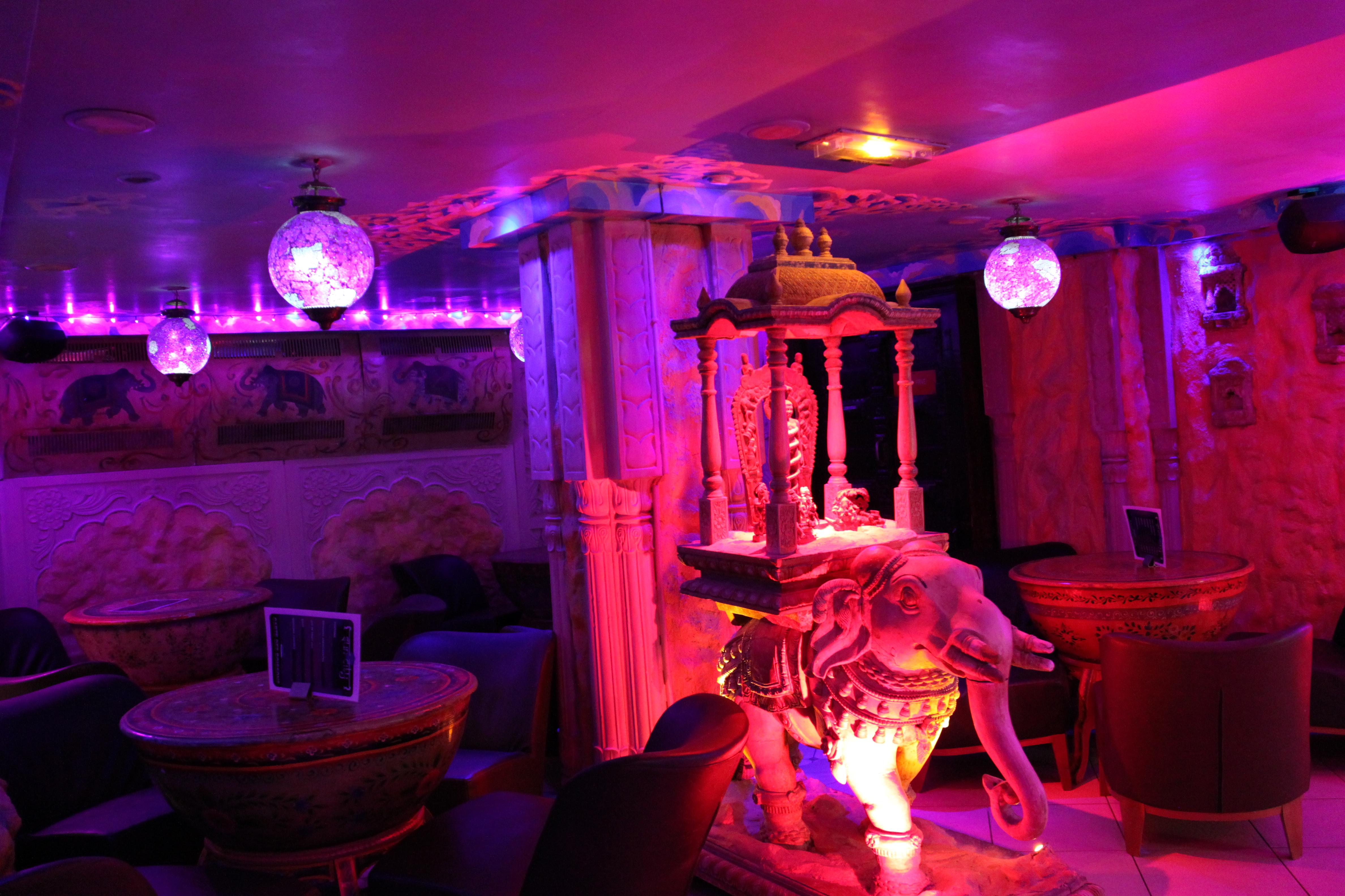Cinema & Bar - SunCity sauna gay Paris